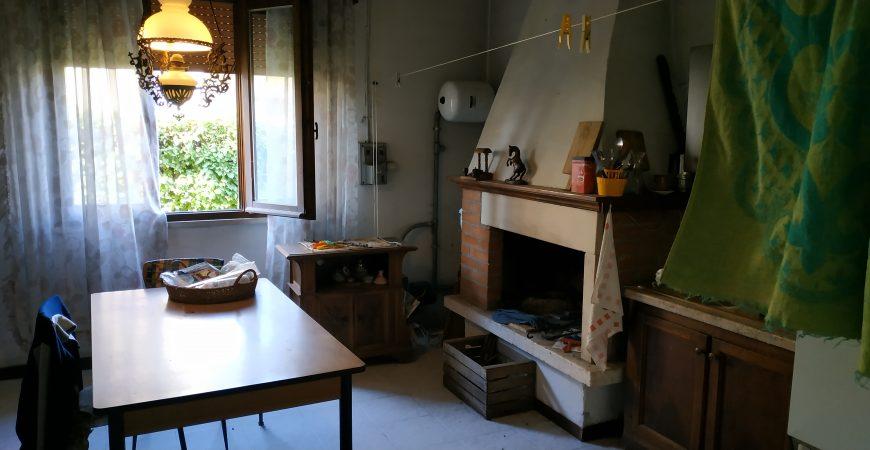 Ampia casa singola a Sanguinetto 9