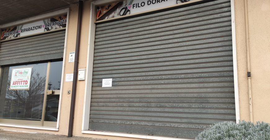 Ampio negozio in centro a Casaleone 6