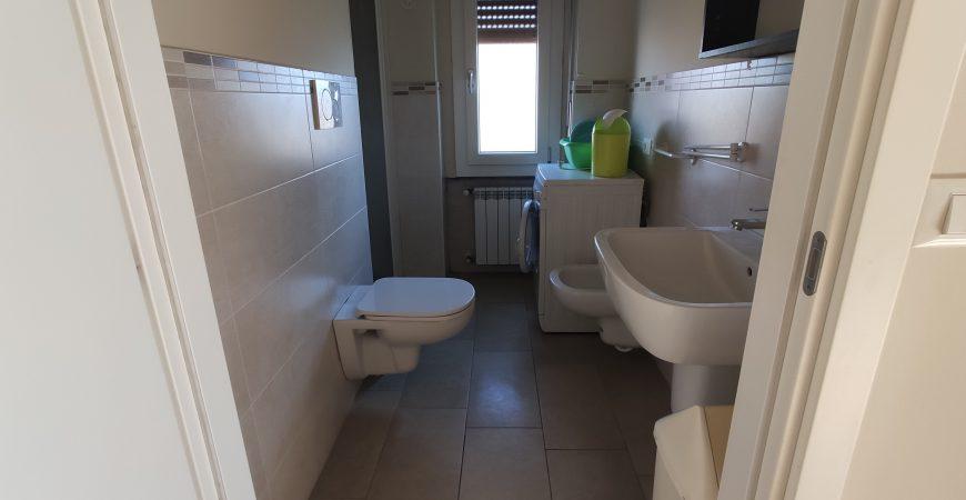Appartamento ristrutturato in piccolo contesto 8