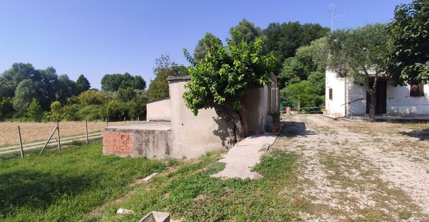 Casa in campagna su lotto di 2000 mq 22